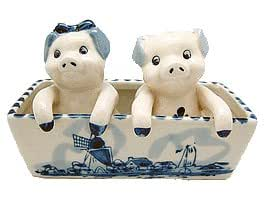 """Pig Salt and Pepper Shakers: Pigs (5.5"""")"""