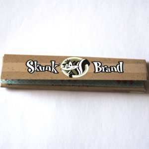 Outontrip SKUNK PAPERS King Size Slim 32 leaves HEMP Rolling Papers