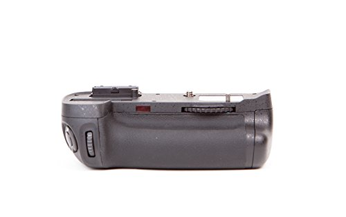 Dolica DN-MB-D11 Battery Power Grip for Nikon D7000