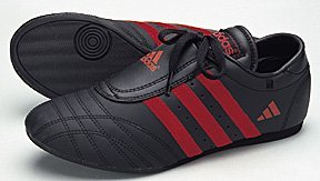 Adidas-II-Low-Cut-Martial-Arts-Sneaker-Black-with-Red-Stripes-size-10