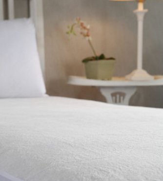 Heated Mattress Pad - This Ultra Soft Plush Heated Mattress Topper Provides Warmth Comfort and Safety with its Award Winning Low Volt Invisiwire Technology. On Sale For A Limited Time(California King) by Microplush