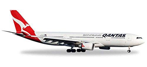he527316-herpa-wings-qantas-a330-200-1500-model-airplane