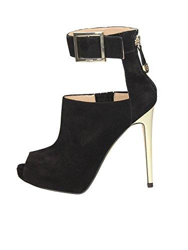 Scarpe Tronchetti Eleganti Donna Guess in pelle scamosciata Mod. SHILVY SUEDE ANKLE BOOT FL4SHISUE07 Col. Nero.
