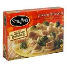 nestle-stouffers-entree-chicken-fettuccini-in-alfredo-sauce-105-ounce-12-per-case