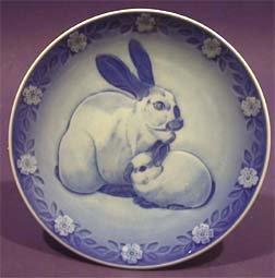 Royal Copenhagen Mothers Day Plate - 1985 Royal Copenhagen Mother's Day Plate - Rabbit