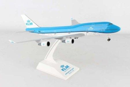 Daron Skymarks Klm 747-400 1/200 W/Gear SKR940 Airplane Model