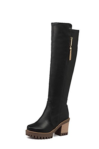 AllhqFashion Damen Hoher Absatz Reißverschluss Hoch-Spitze Stiefel mit Metalldekoration, Schwarz, 34