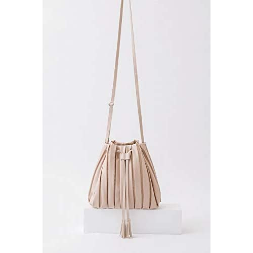 earth music&ecology Pleats Drawstring Bag Book BEIGE 付録