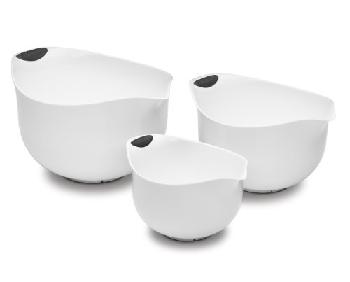- Cuisinart CTG-00-3MBW Set of 3 BPA-free Mixing Bowls, White