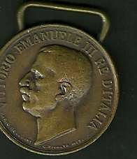 Kingdom era - National unity (1848-1918) medal. Gilded bronze. Head of Vittorio Emanuele III to obverse, designer's name to bottom. Inscription: 'Unita D'Italia 1848-1918, Ass.Naz. Madri E Vedove Dei Gaduti' laurel branches (only the medal, no ribbon, see picture)