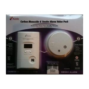 Kidde KN-COPP-3 AC Plug-In Carbon Monoxide Detector wthDigital Display and Battery Bonus i9040 Battery Operated Smoke Alarm
