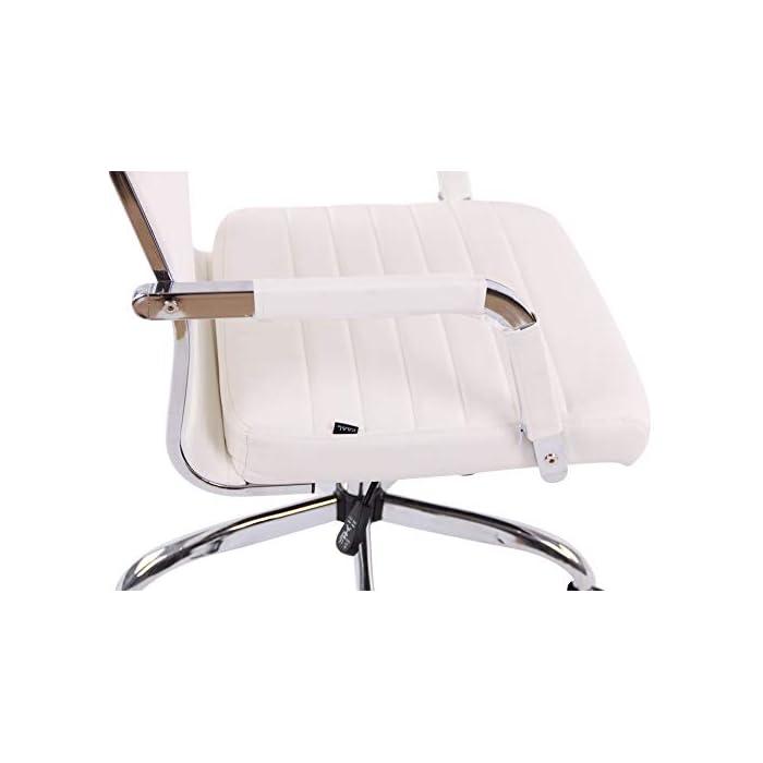 AJUSTABLE: La silla de oficina Amadora cuenta con un mecanismo de balanceo en el respaldo que se ajusta con el adaptador de rosca ubicado debajo del asiento, allí se encuentra también la manivela que permite ajustar la altura de la silla. El asiento puede dar un giro de 360° y gracias a las ruedas de su base permite a la unidad deslizarse por diversas superficies. MATERIALES: La estructura de la silla así como la base están hechas de metal en efecto óptico cromado brillante. La silla cuenta con un tapizado en cuero sintético (100% poliuretano), dicho material es resistente y fácil de limpiar. Las ruedas de la base son de polipropileno suave, que permite rodar con facilidad. DIMENSIONES: La silla ejecutiva tiene las siguientes medidas aproximadas: Alto: 96-106 cm I Ancho: 51 cm I Profundidad: 63 cm I Altura del asiento: 43 - 51 cm I Superficie del asiento (AxP): 46 x 49 cm I Altura del respaldo: 58 cm I Altura del reposabrazos: 19 cm I Capacidad máxima de carga: 120 kg I Peso: 11 kg.