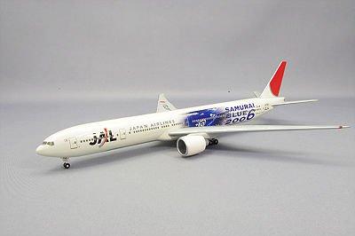 1/400 BOEING 777-300ER JA732J 特別塗装機(ホワイト×ブルー)
