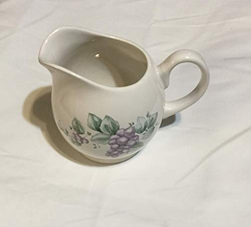 (Pfaltzgraff Grapevine Large Gravy Server Pitcher)