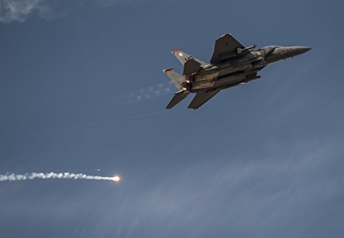 - Home Comforts A 391st Fighter Squadron F-15E Strike Eagle pops defensive flares and pulls up after a close-air sup