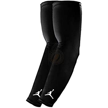 4045a115d5eb9 Amazon.com: NIKE Jordan Basketball Arm Shooter Sleeve (Black/White ...