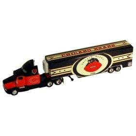 Nfl Commemorative Series Throw - Chicago Bears 1946 World Champions Throwback Series 1:64 Scale Kenworth Transporter Die-Cast Collectible