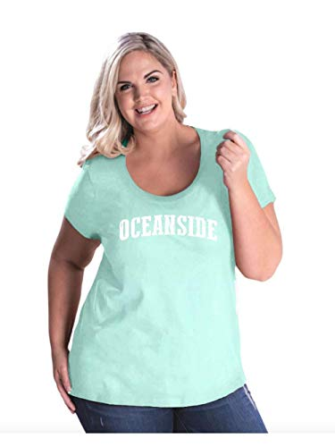 Mom`s Favorite Oceanside California Beach City Traveler Gift Women's Curvy Plus Size Scoopneck Tee -
