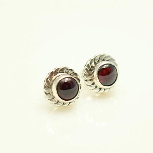 (Circle-shaped Garnet Earrings Handcrafted, Semi Precious Stone by Handmade Studio )