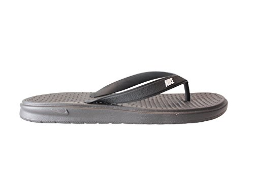 NIKE Girl's Solay Thong Athletic Sandals (2 Little Kid M, (Athletic Thong Sandals)