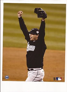 (Josh Beckett Unsigned 8x10 Photo 2003 World Series Champs Florida Marlins)