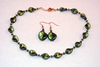 Emerald murano glass small twists necklace and (Green Murano Glass Ring)