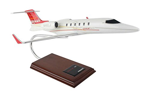 Executive Series Models Learjet 40 1/35 Scale H10835 Model Kit