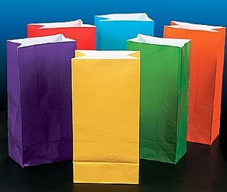 Amazon.com: 12 color brillante papel bolsas de fiesta: Toys ...