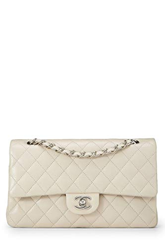CHANEL Cream Quilted Caviar Classic Double Flap Medium (Pre-Owned)