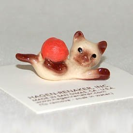 Used, Hagen-Renaker - Kitten with Yarn for sale  Delivered anywhere in USA