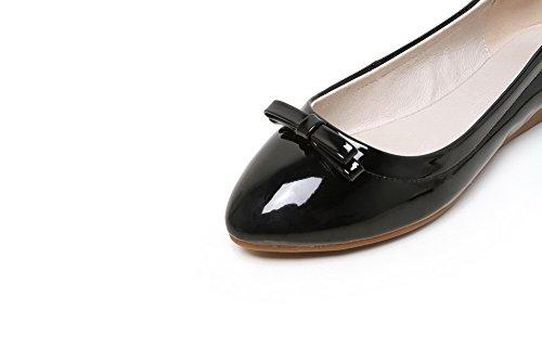 AllhqFashion Damen Rein PU Leder Niedriger Absatz Ziehen auf Flache Schuhe Schwarz