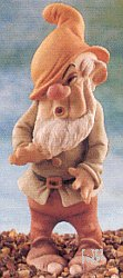 Giuseppe Armani-Disney Showcase-Snow White Figurine Sneezy 914-C