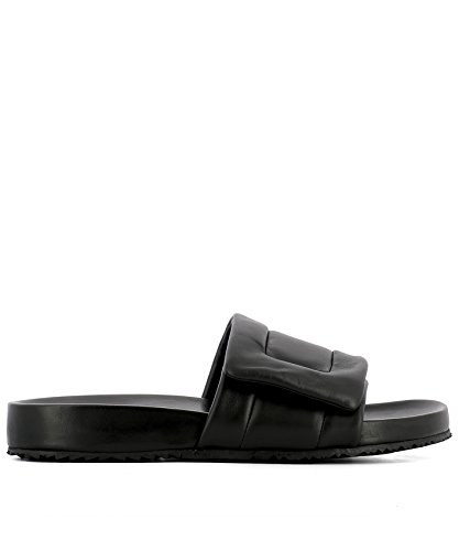 maison-margiela-mens-s37wx0060sy0478900-black-leather-sandals