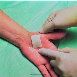 3MTM TegadermTM+Pad Film Dressing with Non-Adherent Pad-Size: 3 1/2'' x 4'' (9 x 10 cm) Pad Size: 1 3/4'' x 2 3/8'' (4.5 x 6 cm) - Box of 25 by 3M