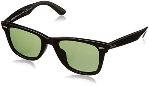 Ray-Ban Men's Wayfarer Polarized Square Sunglasses, Black, 52.1 ()