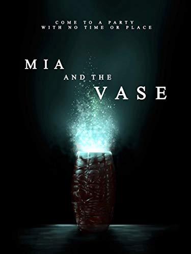 Mia and the Vase ()
