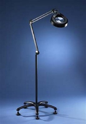 Luxo 5d magnifying floor lamp amazoncom for Amazon magnifier floor lamp