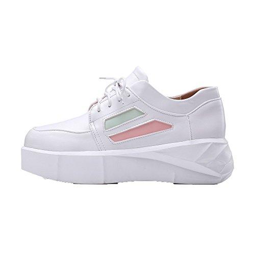 AllhqFashion Damen Schnüren Mittler Absatz PU Leder Rein Rund Zehe Pumps Schuhe Weiß
