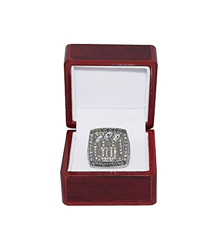 - NEW YORK GIANTS (Eli Manning) 2007 SUPER BOWL XLII WORLD CHAMPIONS Rare Collectible High-Quality Replica NFL Football Silver Championship Ring with Cherrywood Display Box