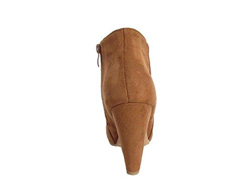 Innumerevoli Stivali Da Donna Di Alta Moda Con Tacco Alto In Nabuk E Pelle Scamosciata