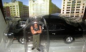 The Fast and the Furious '70 Dodge Charger 1/25th Die Cast Car w/ Dominic Figure Adult Collectible Set (2002 Release) by Revell (Image #1)