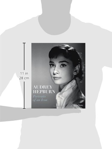 Audrey Hepburn  Portraits of an Icon  Amazon.it  Terence Pepper ... 12a3f6f57a57