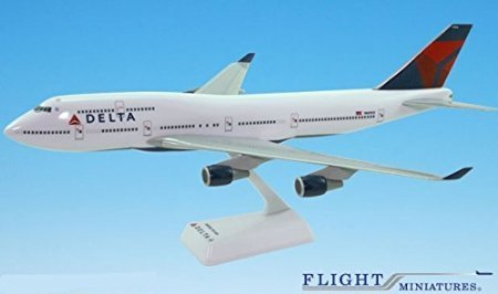delta-07-cur-boeing-747-400-model-miniature-airplane-snap-fit-1200-part-abo-74740h-019