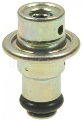 Standard Motor Products PR475 Fuel Injection Pressure Regulator