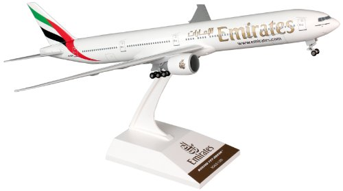 (Daron Skymarks Emirates 777-300ER Airplane Model Building Kit with Gear, 1/200-Scale)