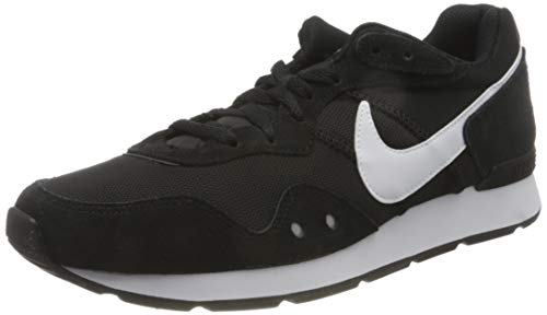 Nike Venture Runner Men's Sneaker