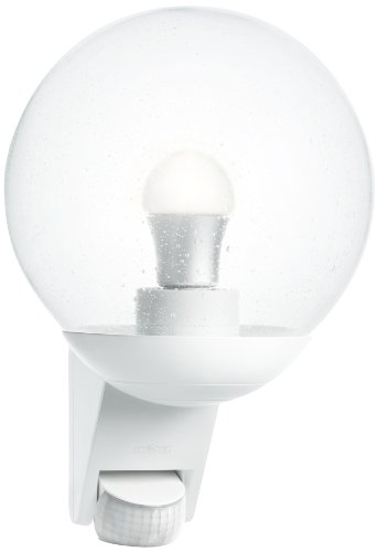 Steinel Sensor-Außenleuchte L 585 weiß mit 180° Bewegungssensor und 12 m Reichweite, klassisches Design, mundgeblasenen Glaskörper, ideal für Hausfronten und Eingänge, 005917