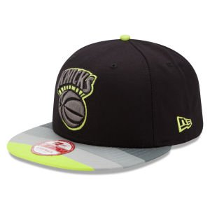 New Era 9Fifty Stripe Hook New York Knicks Black, Gray & Lime Strapback from New Era