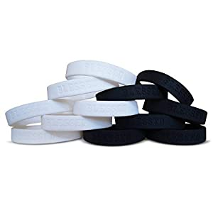 Novel Merk Blessed Mixed White & Black 12-Piece Silicone Rubber Band Wristband Motivation & Religious Accessory 31vdYERFd1L