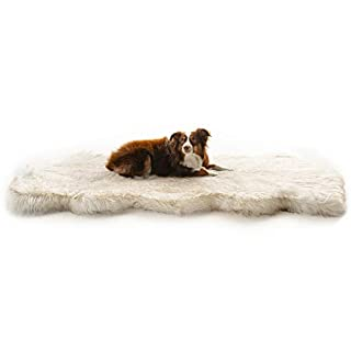 Treat A Dog Puprug Runner Faux Fur Memory Foam Orthopedic Dog Bed, Pressure-Relieving Memory Foam, Minimize Joint Pain and Improve A Dog's Health and Mobility (Curve White)